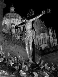 Cristo del Amor y de la Paz en cruz