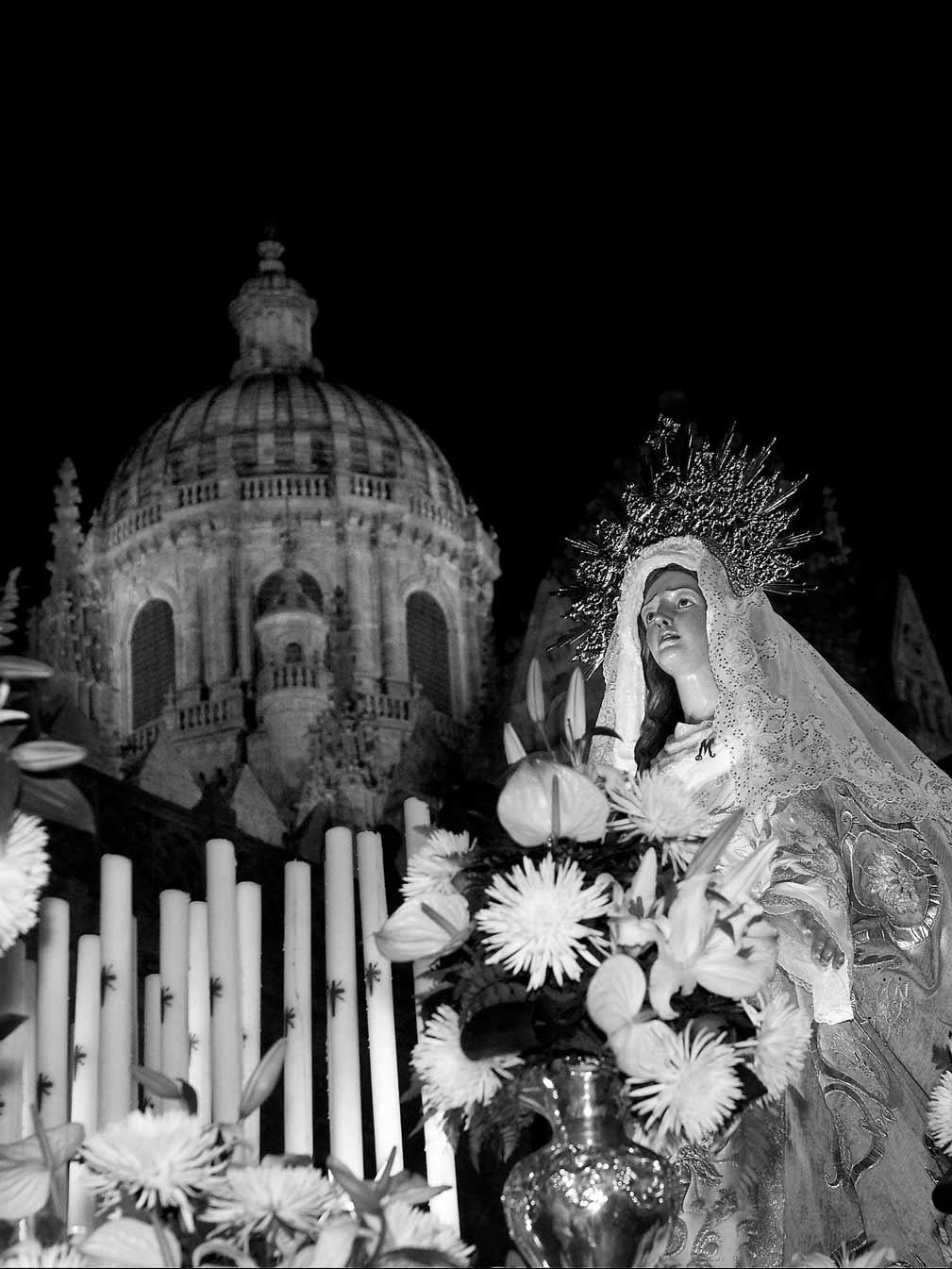 Detalle procesión Amor y Paz