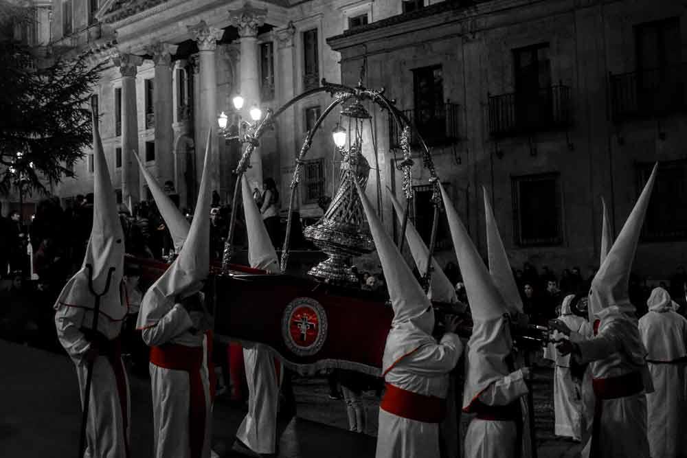 Detalle de una parte de la procesión del Cristo Yacente