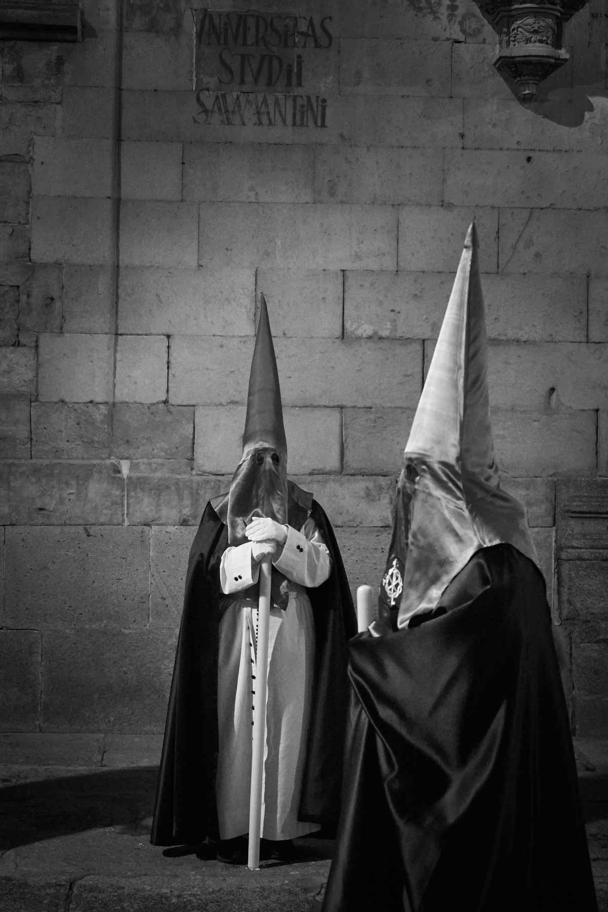 Momento de la procesión de la hermandad dominicana